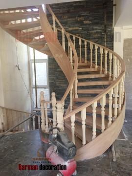 پله گرد- پله پیچ چوبی