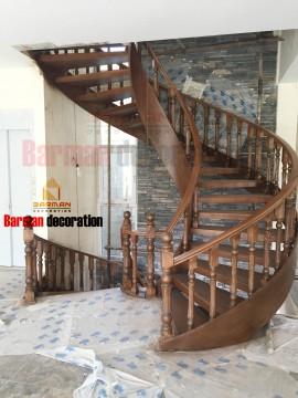 پله مارپیچ چوبی