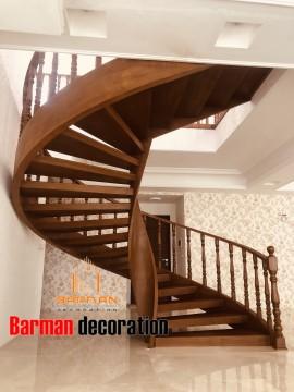 پله گرد و پله پیچ چوبی