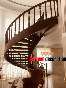 پله گرد چوبی با نرده چوب راش